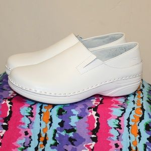 White Nurse Shoes Women 7.5 M Leather Upper Comfy